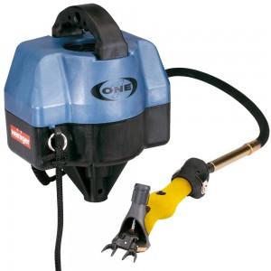 La Esquiladora profesional Heiniger ONE c/ tijera Icon ofrece todas las ventajas del EVO pero tiene una velocidad y solo funciona con el eje flexible. Enlace helicoidal o clavijo. Servicio y mantenimiento sencillos. Práctico, ligero y silencioso.