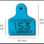 Crotal macho cuadrado pequeño ref. 531 de plástico con punta metálica de acero. Diferentes colores: amarillo, azul, verde, rojo, blanco. Grabación con láser inalterable.